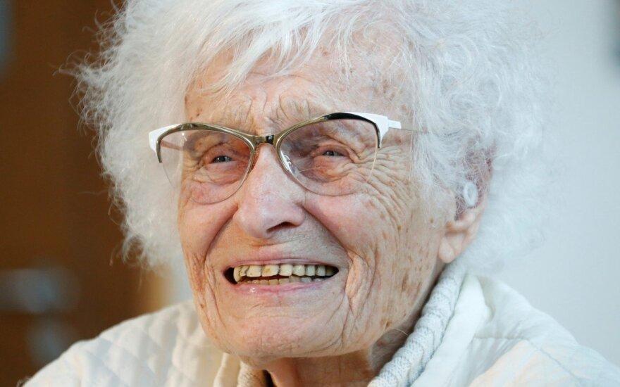 100-летняя немецкая пенсионерка прошла в депутаты, чтобы добиться открытия бассейна
