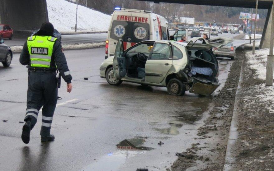 В центре Вильнюса произошло ДТП, водитель в больнице