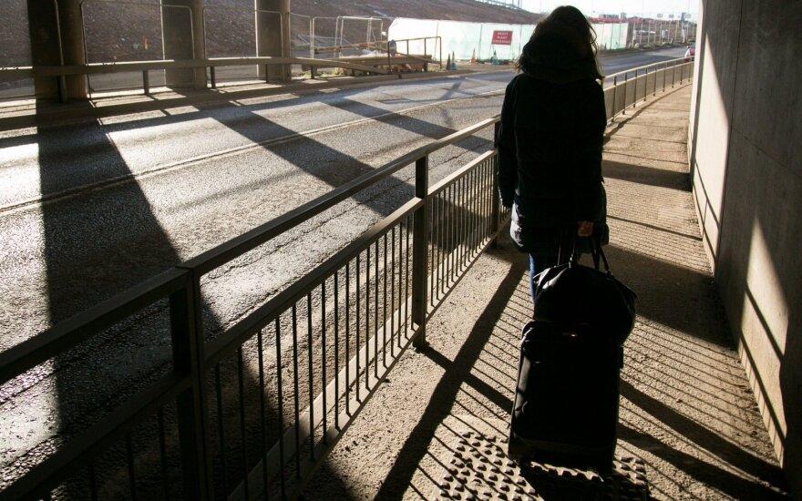 В Англии суд рассматривает дело о жестоком обращении с эмигрантами из Литвы