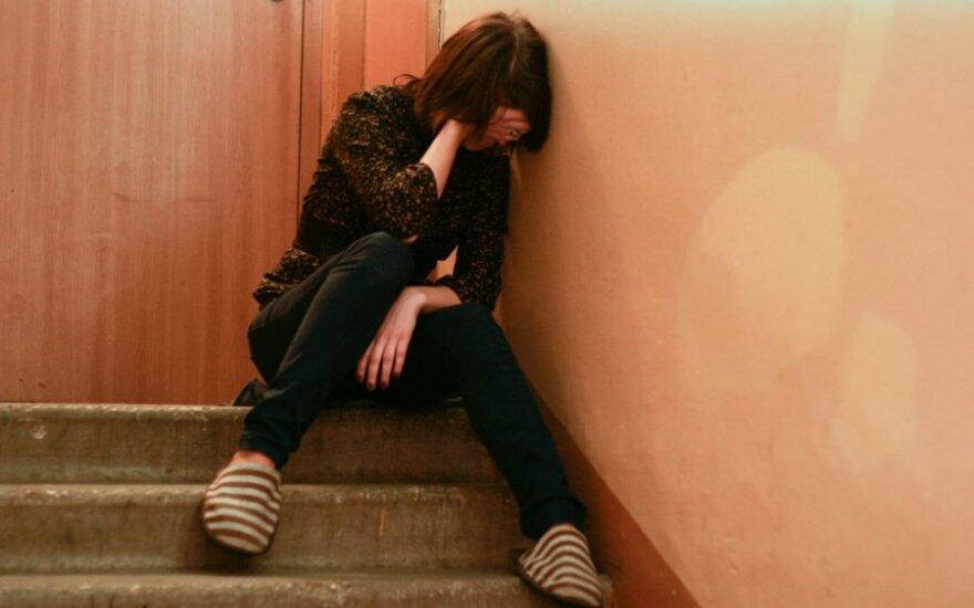 В Шяуляй молодой человек пытался изнасиловать девушку прямо на улице