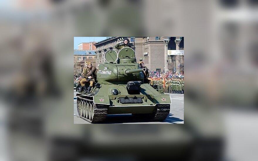 Niemcy nie usuną radzieckich czołgów z pomnika w Berlinie