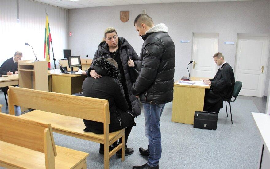 Перед судом предстал молодой человек, которого обвиняют в жестоком избиении девушки