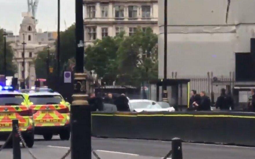 Сбившему пешеходов у парламента Британии предъявили обвинения