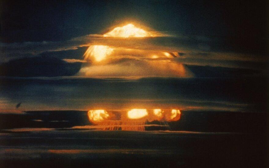 Atominės bombos testas, 1952