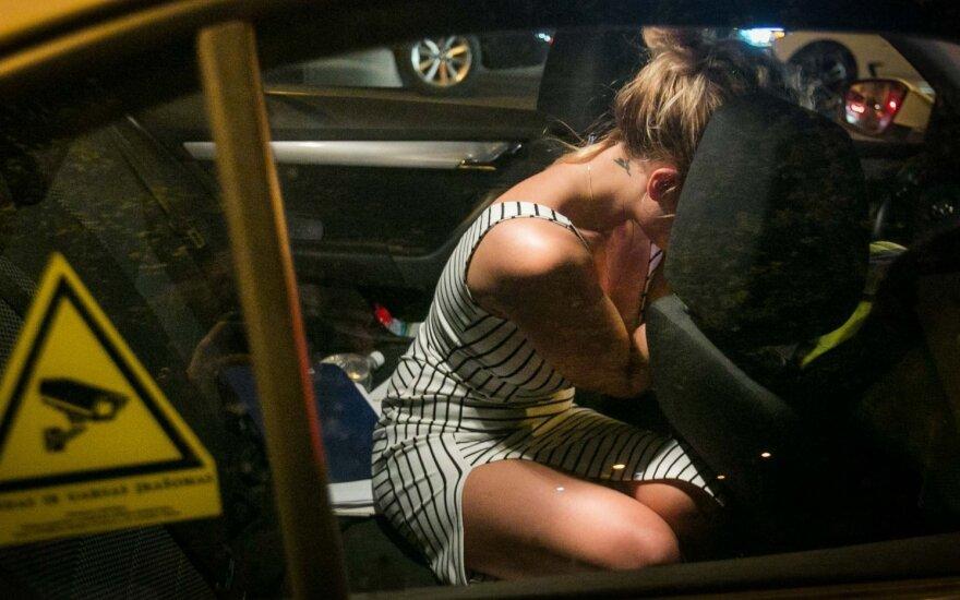 Пьяная водитель BMW плакала, опасаясь за репутацию матери