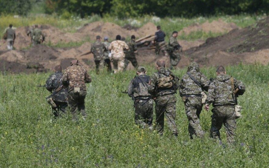 Эксперт: боевики начали отступать к границе с Россией