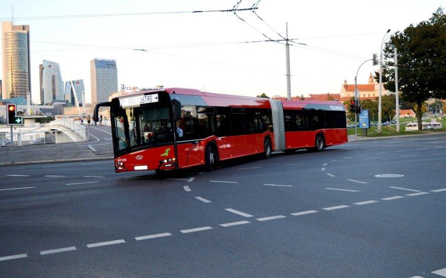 В понедельник жители и гости столицы Литвы могут пользоваться общественным транспортом бесплатно