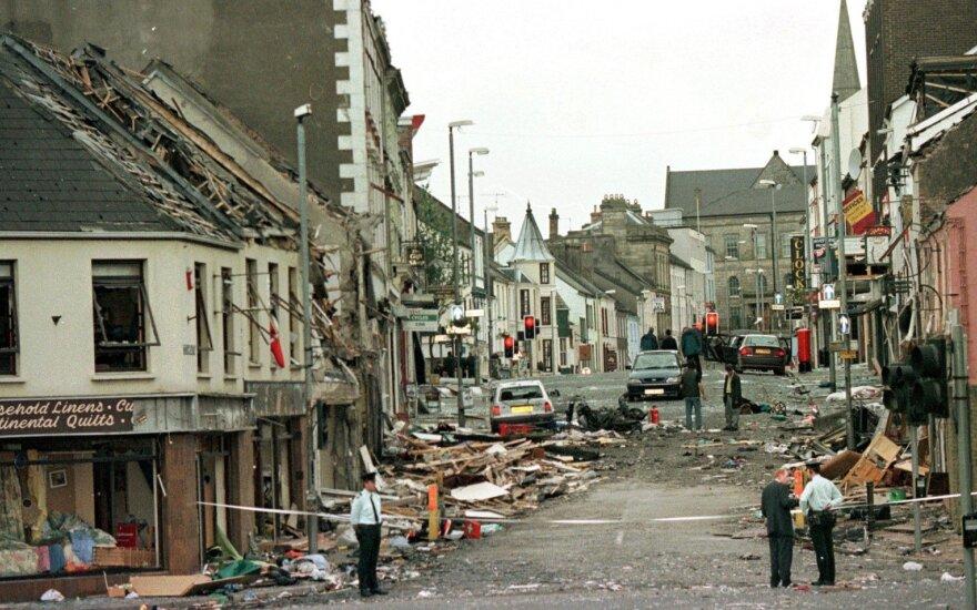 """Во взрыве в Лондондерри подозревается """"Новая Ирландская республиканская армия"""""""