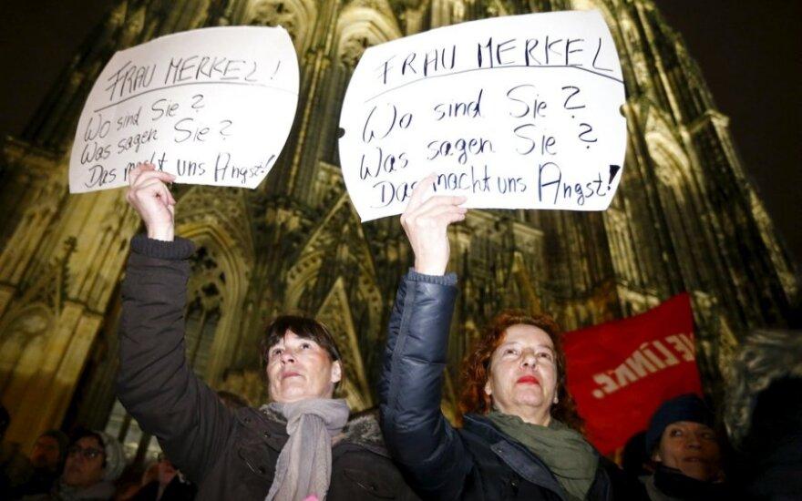 Протесты в Кельне: сотни женщин требуют от Меркель радикальных мер