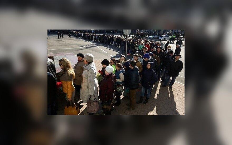 В Донецке лидеры сепаратистов попрощались с Моторолой