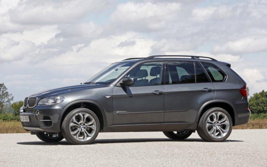 BMW отзывает четверть миллиона автомобилей X5 из-за проблем с рулем