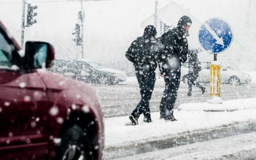 В Вильнюсе – снег, условия движения осложнены