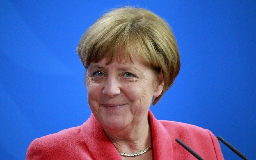 Меркель остается на 4-й срок, националисты проходят в бундестаг