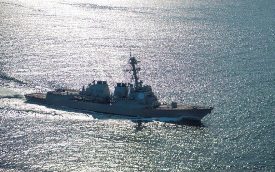 """Amerykański niszczyciel """"Ross"""" wpłynął na Morze Czarne"""