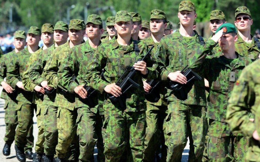 Премьер: в вопросе армейского призыва нужно согласие партий