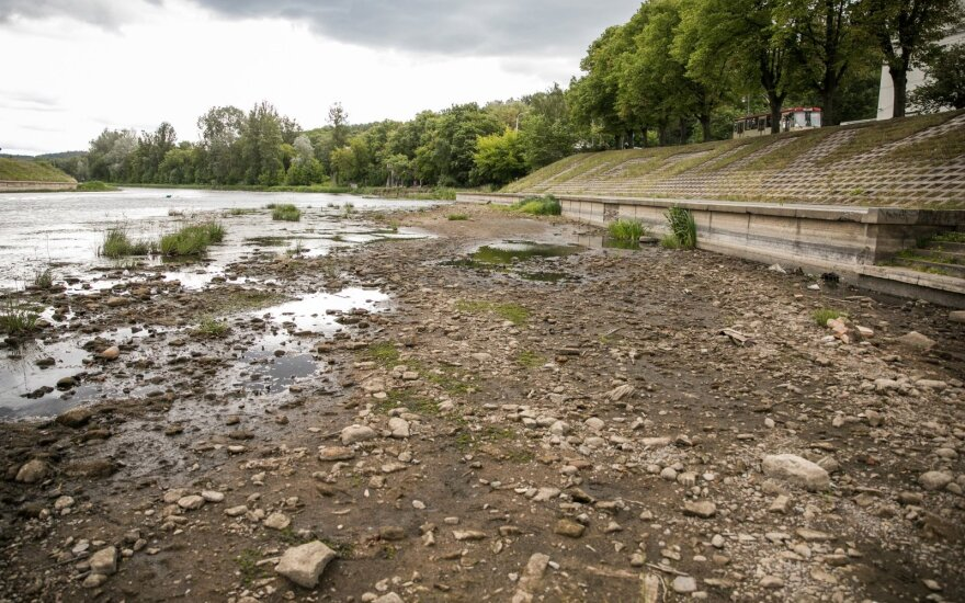 Беларусь не сможет повысить уровень воды в реке Нерис, несмотря на просьбу Литвы