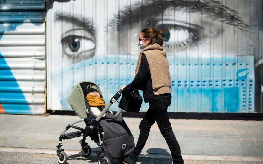 Жителям Испании разрешили выходить из дома после семи недель карантина