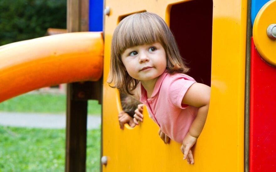 Spór o plac zabaw. Wspólnota mieszkańców starówki oskarża Ambasadę RP w Wilnie
