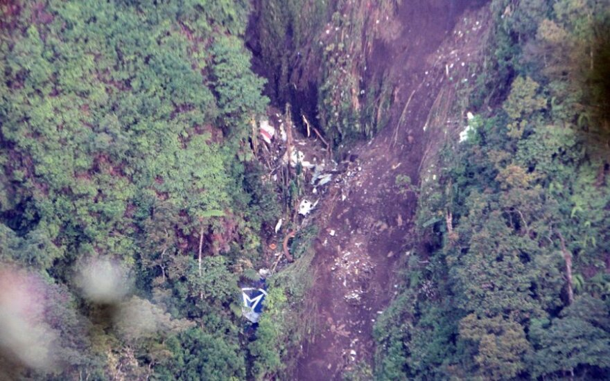 """Indonezijoje sudužo rusų gamybos lėktuvas """"Suchoj Superjet 100"""""""