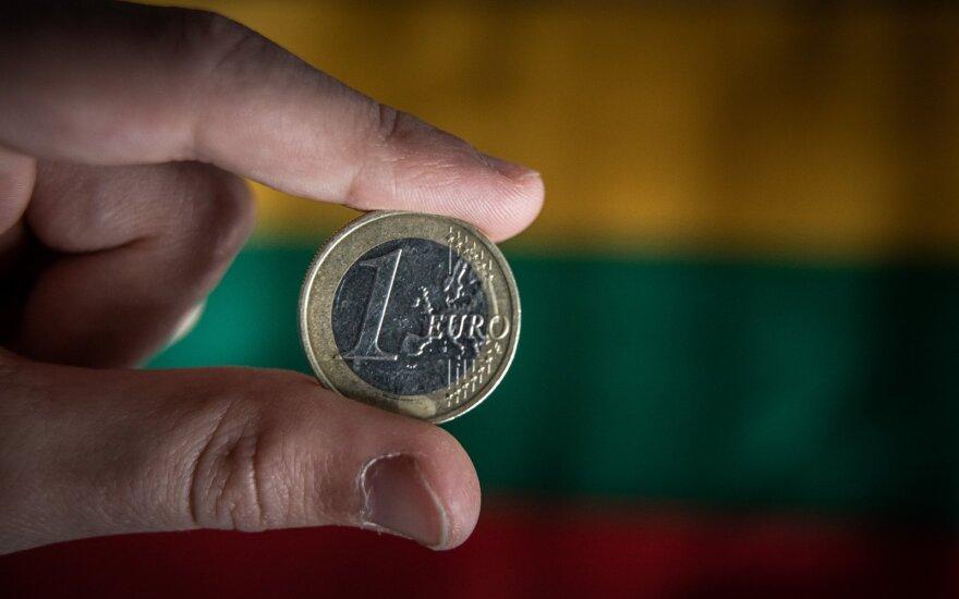 Почти миллион жителей Литвы получaт по 200 евро