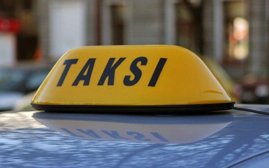 Пассажир такси напал на водителя – не понравилась цена