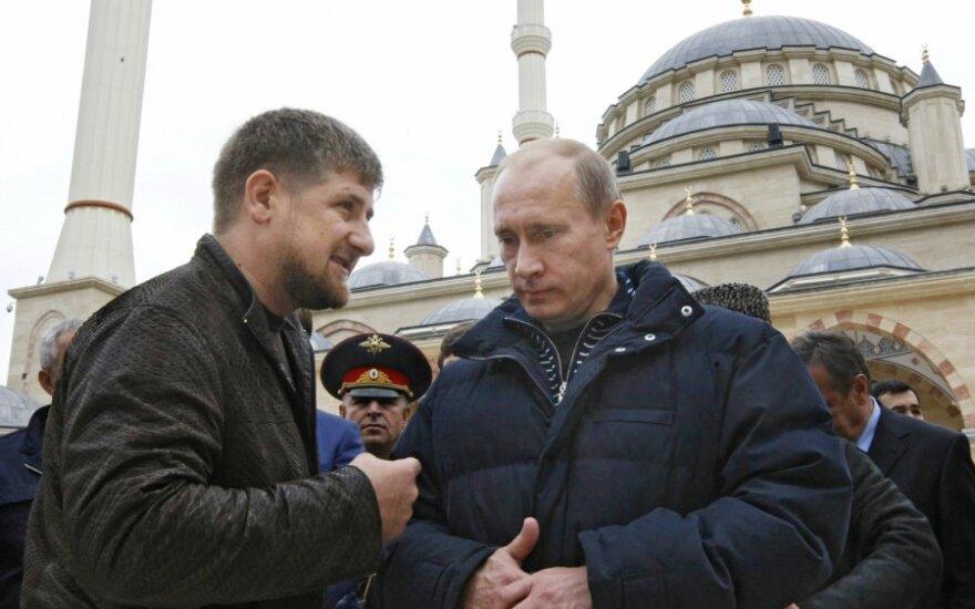 Ramzanas Kadyrovas ir Vladimiras Putinas