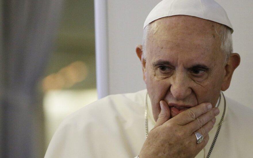 Папа Франциск терпит поражение в битве за права геев