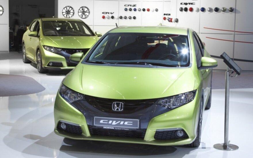 Обновленный седан Honda Civic получил три комплектации