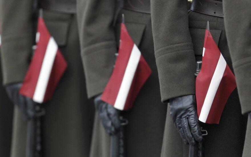 Парадом Вооруженных сил и МВД в Латвии отметили День Лачплесиса