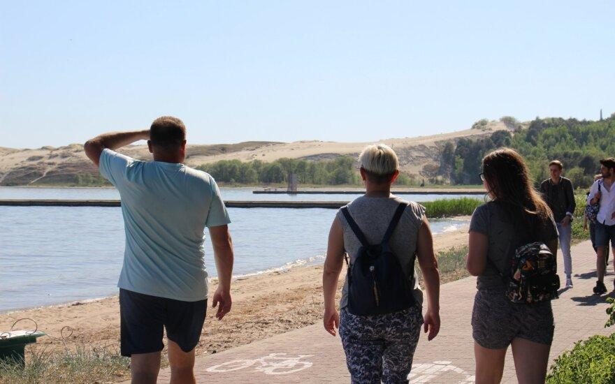 Курортный бизнес Литвы готовится к лету: упали зарплаты, нанимают меньше работников