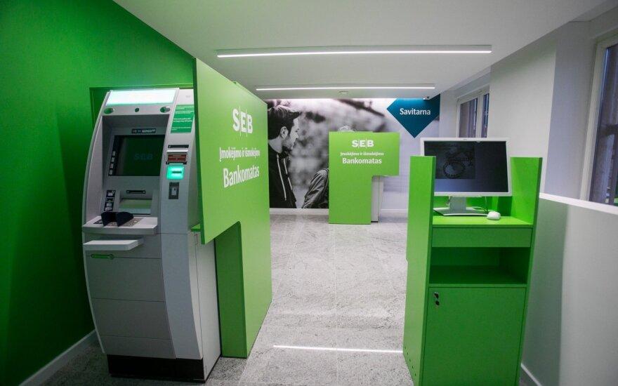 Банк SEB ошибочно списал деньги нескольким сотням клиентов