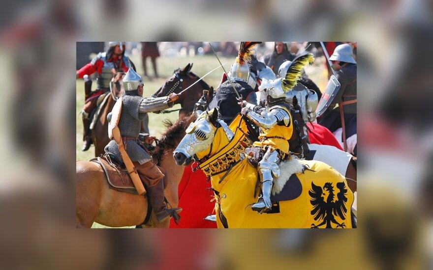 Инсценировка Грюнвальда: жара, толпы любопытных и триумф литовцев
