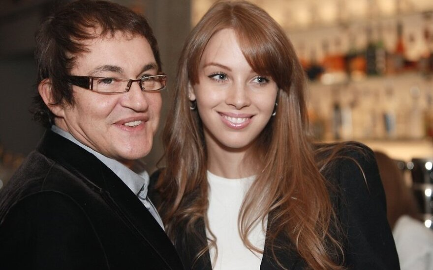 Жена Диброва снимется обнаженной