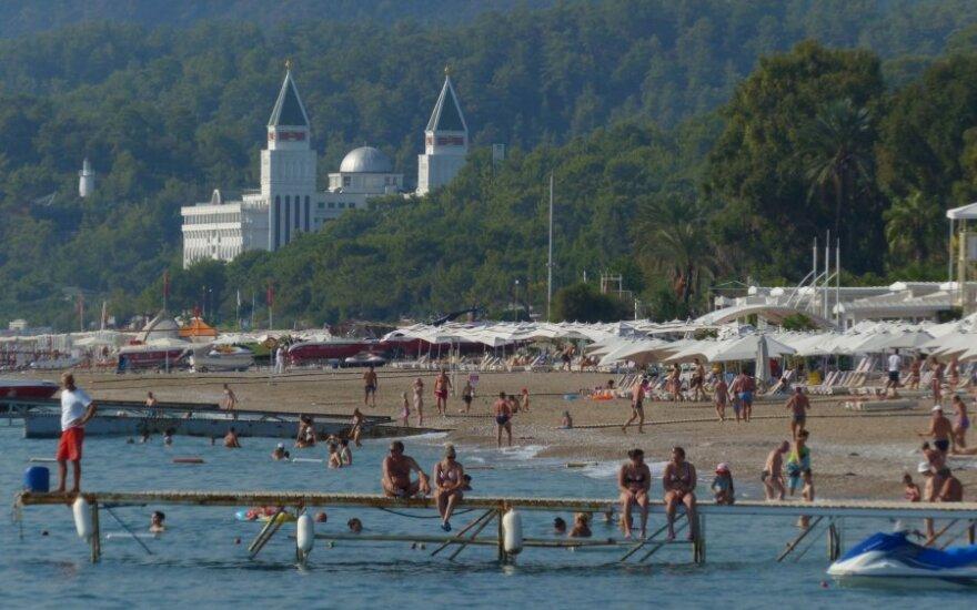 Российские туроператоры возобновили продажу путевок в Турцию
