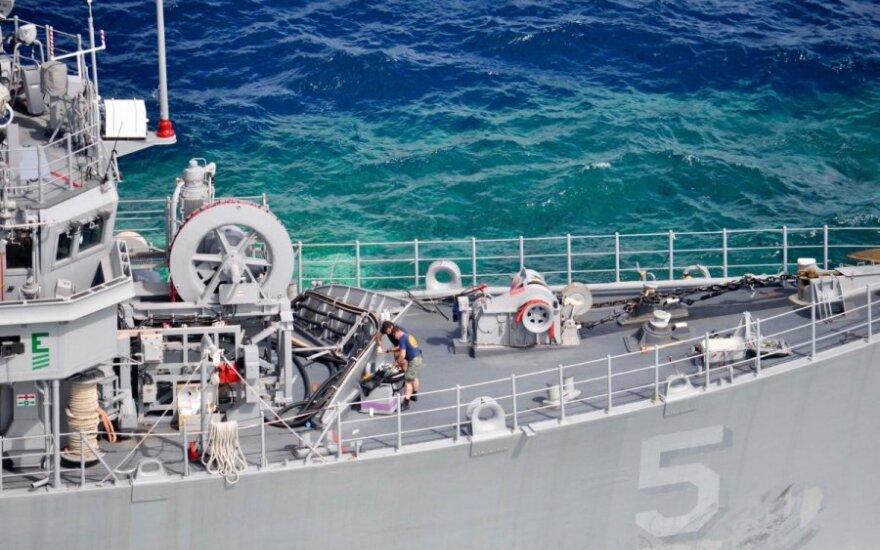 На учениях в американский крейсер врезался беспилотник