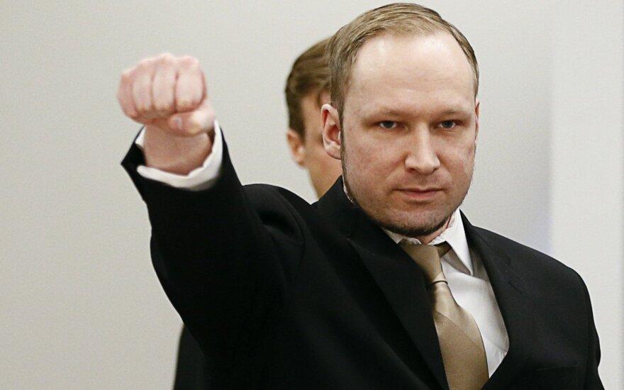 """Норвежские прокуроры: убийца Брейвик """"опасен как никогда"""""""