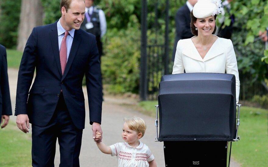 Британского принца Джорджа замучили папарацци