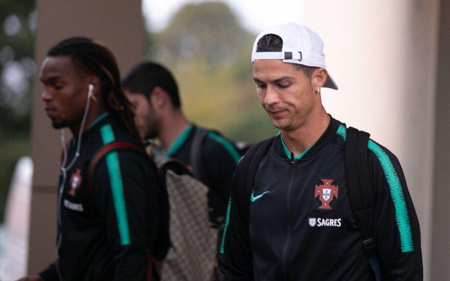 Очарованный португальцами Науседа питает надежды по поводу будущего футбола в Литве
