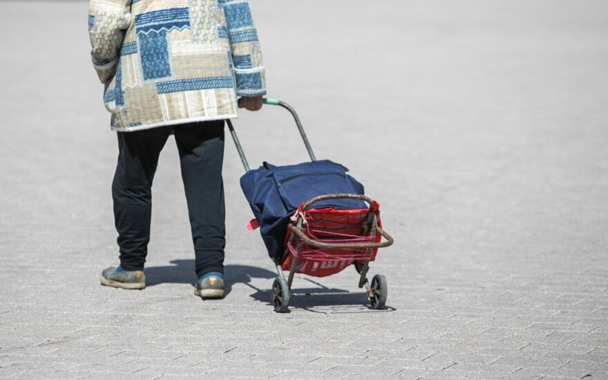 Жители Литвы купили немало масок и антисептика