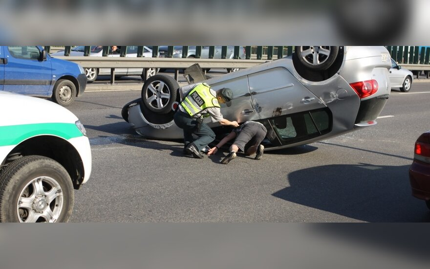 Неделя на дорогах Литвы: 64 ДТП, 6 человек погибли, 77 пострадали