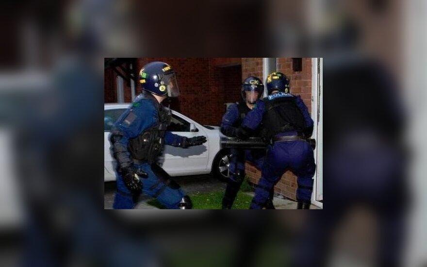 """Operacja """"Archimedes"""". Europol zatrzymał 60 osób w Polsce i 33 na Litwie"""