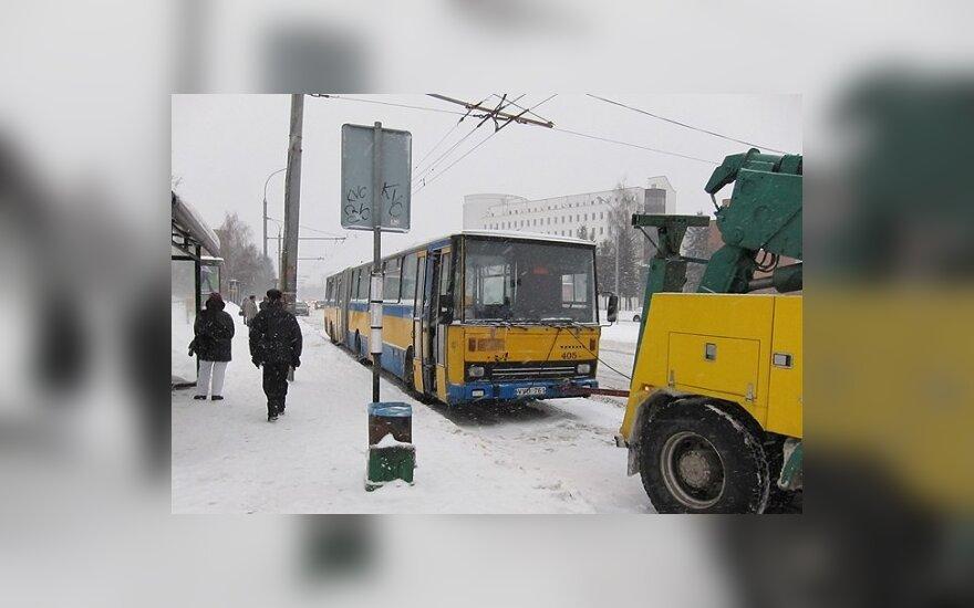 В понедельник утром в Вильнюсе загорелся маршрутный автобус