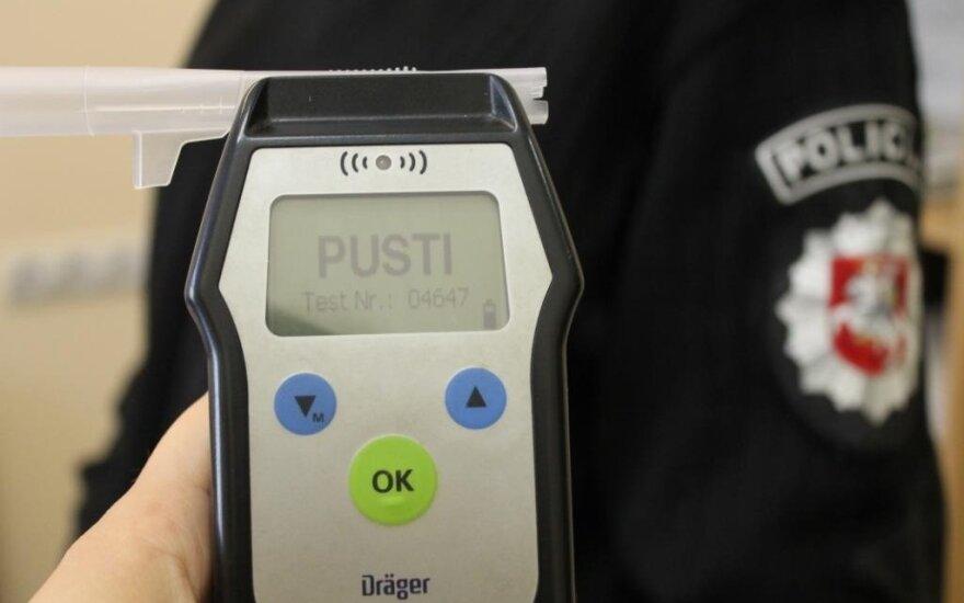 Жители Клайпедского района сообщили о пьяном водителе