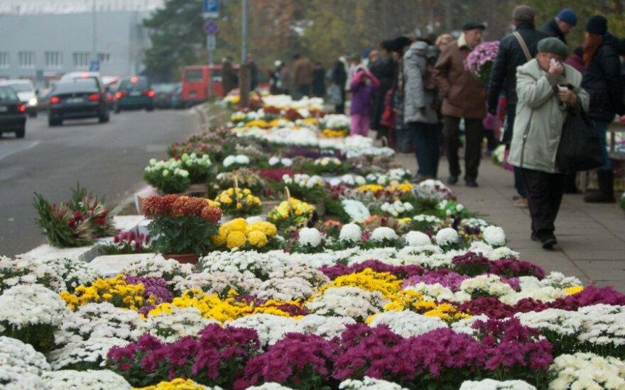 День поминовения усопших: посещение кладбищ рекомендуется отложить