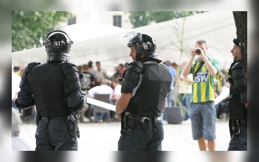 Lenkų ir olandų futbolo fanus prižiūrėjo sustiprintos policijos pajėgos