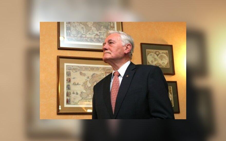 В.Адамкус: будет переизбыток кандидатов на пост президента