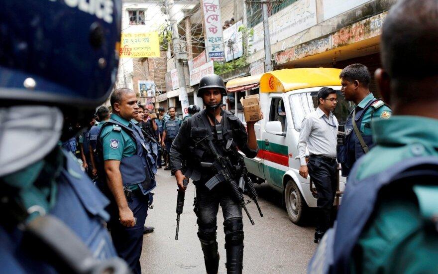В столице Бангладеш полиция вступила в перестрелку с исламистами