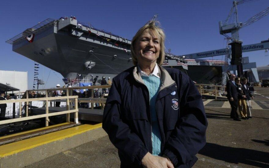 "Susan Ford Bales prie lėktuvnešio ""USS Gerald R.Ford"""