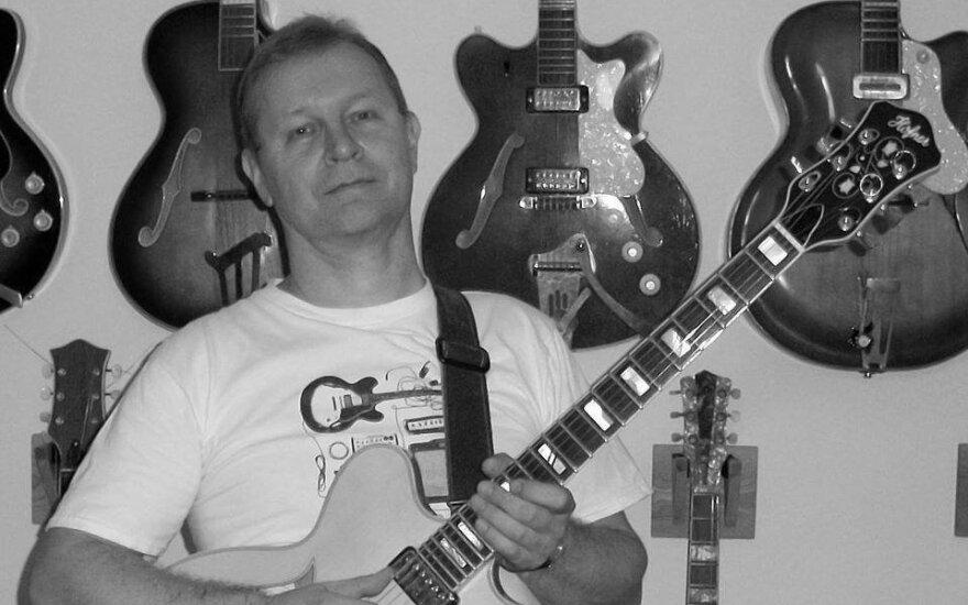 Gitaristas Linas Pečiūra