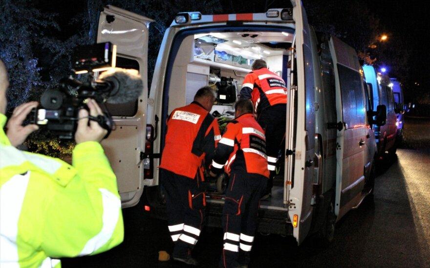 Ужасное происшествие в Вильнюсе: пьяный водитель тяжело ранил трёх шедших по тротуару девушек